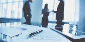 Roles of Commercial Lawyers And Why You The Need To Hire One