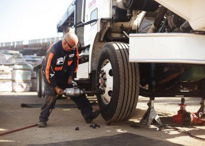 Factors to look when choosing a truck repair shop