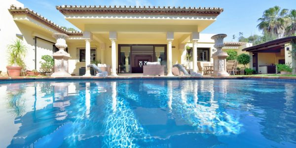 Be with your Loved Ones at Luxury Retreat