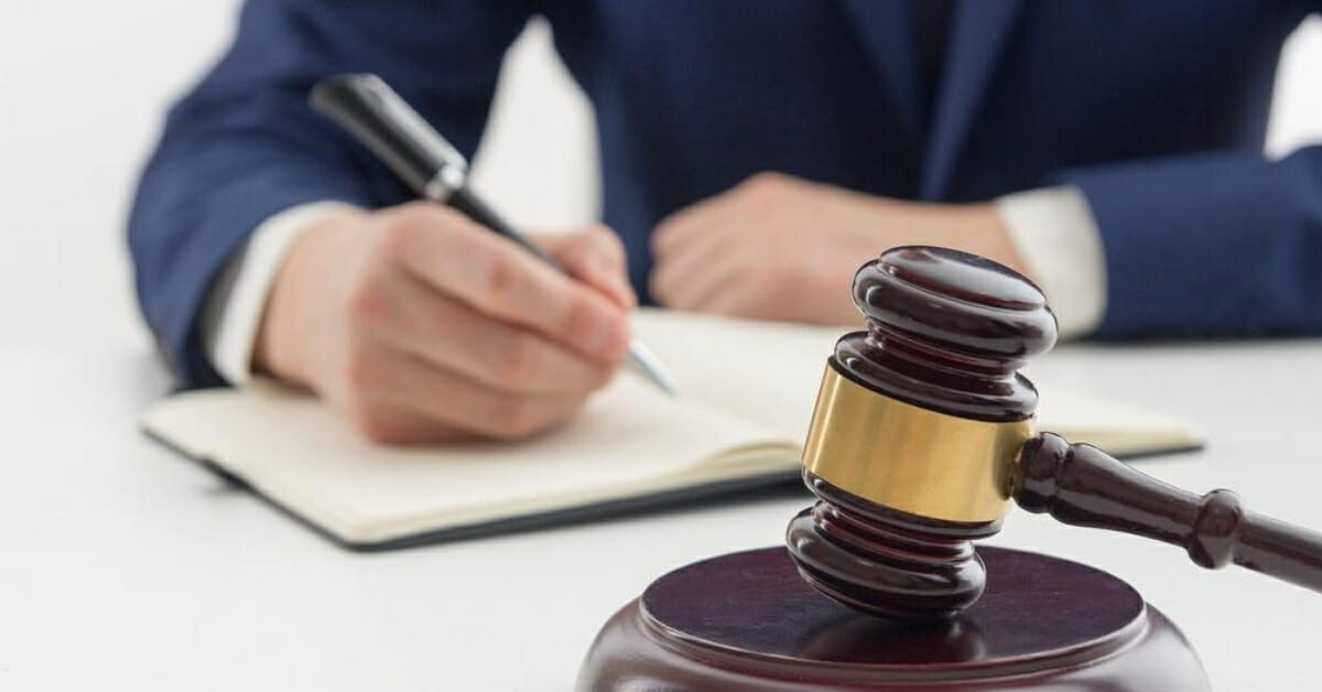 5 Situations When Hiring An Injury Lawyer Is Advised